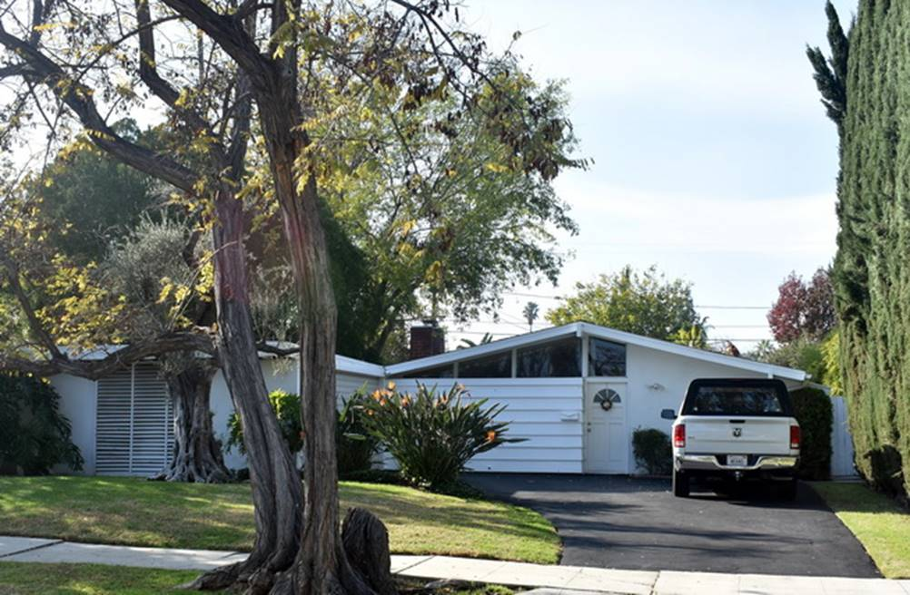6233 Jumilla Avenue, William Krisel & Dan Saxon Palmer 1954.JPG