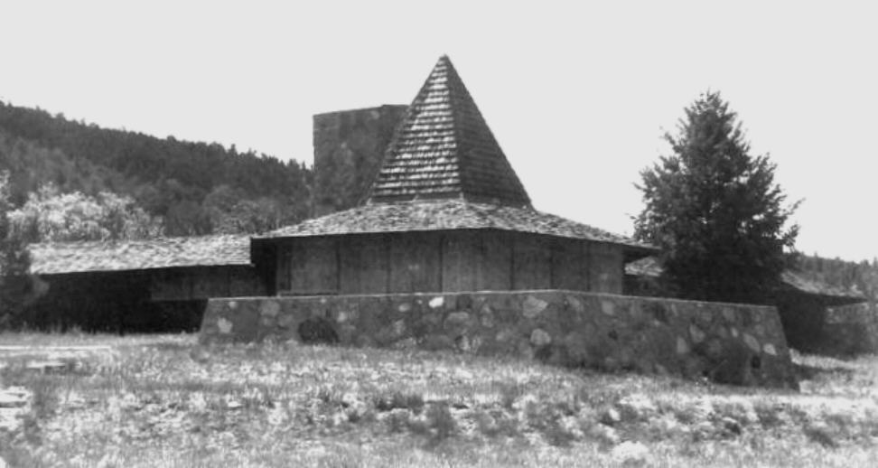Photo of Fir Tree House by Architect Frank Lloyd Wright
